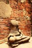 Estatua antigua de Buda en el templo de Mahathat, sitio histórico en la provincia de Ayuttaya, Tailandia Imagen de archivo libre de regalías