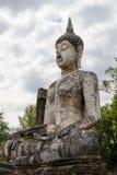 Estatua antigua de Buda en Sukhothai fotos de archivo