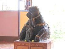 Estatua antigua de Bull en un templo indio Imagen de archivo libre de regalías