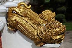 Estatua antigua tailandesa del dragón Imágenes de archivo libres de regalías