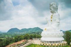 Estatua blanca de Guanyin Imagen de archivo libre de regalías