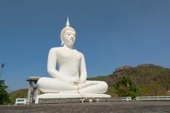 Estatua blanca grande de Buda Fotografía de archivo libre de regalías