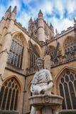 Estatua cerca de Abbey Church del baño, Reino Unido Fotografía de archivo