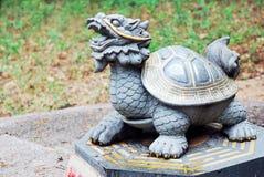 Estatua china de la tortuga del dragón imágenes de archivo libres de regalías