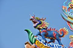 Estatua china del dragón de la cultura Arte chino en cultura del chino de Tailandia Fotografía de archivo