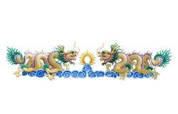 Estatua china del dragón en el fondo blanco Fotos de archivo