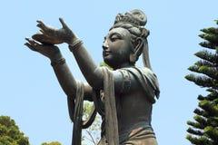 Estatua china hermosa de la diosa en Lantau Imágenes de archivo libres de regalías