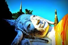 Estatua colorida de Buda fotos de archivo libres de regalías