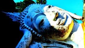 Estatua colorida de Buda imagen de archivo