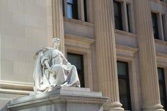 Estatua concreta de la mujer fotos de archivo