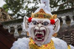 Estatua construida para el desfile de Ngrupuk, que de Ogoh-ogoh ocurre en incluso del día de Nyepi en la isla de Bali, Indonesia Fotografía de archivo