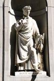 Estatua Dante Alighieri, Uffizi, Florencia, Italia foto de archivo libre de regalías