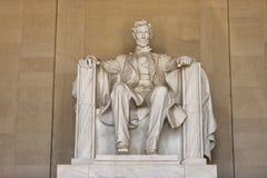 Estatua de Abraham Lincoln en el monumento del Washington DC Imagen de archivo libre de regalías