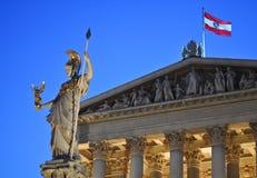 Estatua de athena en Viena, Austria Fotos de archivo libres de regalías