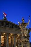 Estatua de athena en Viena, Austria Imagen de archivo libre de regalías