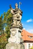 Estatua de Augustine del hipopótamo en Charles Bridge en Praga foto de archivo