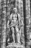 Estatua de Bartholomew el apóstol dentro de Milan Cathedral, Italia Fotografía de archivo
