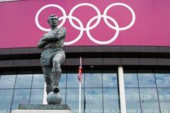 Estatua de Bobby Moore imágenes de archivo libres de regalías