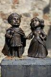 Estatua de bronce de Miklosh del santo con la esposa Imagen de archivo