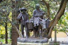 Estatua de bronce que representa a la familia santa Foto de archivo