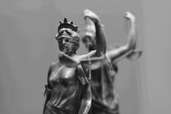 Estatua de bronce vieja de la justicia Fotografía de archivo