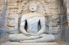 Estatua de Buda, ciudad antigua Polonnaruwa, Srí alto y delgado fotos de archivo