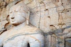 Estatua de Buda, ciudad antigua Polonnaruwa, Srí alto y delgado fotografía de archivo
