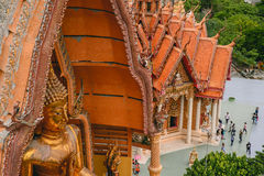 Estatua de Buda de Wat Tham Sua Imágenes de archivo libres de regalías