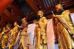 Estatua de Buda, del monje y del animal sagrado Fotografía de archivo