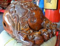 Estatua de Buda, del monje y del animal sagrado Foto de archivo libre de regalías