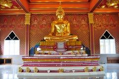Estatua de Buda del oro en Tailandia Imagen de archivo libre de regalías