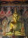 Estatua de Buda dentro de un templo septentrional de TAILANDIA Fotografía de archivo