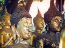 Estatua de Buda en Bangkok, Tailandia Generalmente en Tailandia, cualquier clases de adornado en iglesia budista Fotos de archivo libres de regalías