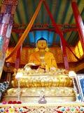 Estatua de Buda en el pasillo del rezo en el monasterio de Hemis, Leh, la India Fotografía de archivo libre de regalías