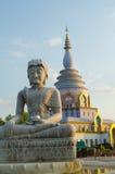 Estatua de Buda en el templo de la tonelada de Tha foto de archivo libre de regalías