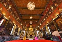 Estatua de Buda en el templo de Wat Saket, señal del viaje de Bangkok Foto de archivo