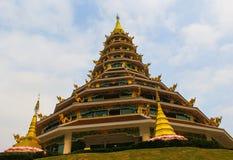 Estatua de Buda en las atracciones turísticas de Wat Huai Pla Kang Popular en Chiang Rai Imagenes de archivo