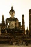 Estatua de Buda en ruinas viejas del templo budista Fotografía de archivo