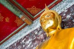 Estatua de Buda en Wat Suthat, Bangkok Imágenes de archivo libres de regalías