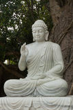 Estatua de Buda, montañas de mármol fotografía de archivo
