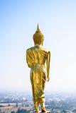 Estatua de Buda que camina Fotos de archivo libres de regalías