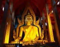 Estatua de Buddha adentro, Tailandia Fotografía de archivo libre de regalías