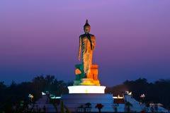 Estatua de Buddha en Phutthamonthon Imagenes de archivo