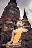 Estatua de buddha que se sienta Foto de archivo libre de regalías