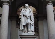 Estatua de Carlo Ottavio Castiglioni foto de archivo