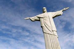 Estatua de Cristo el redentor en la montaña de Corcovado Foto de archivo libre de regalías