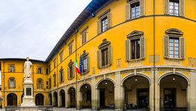 Estatua de Datini en Prato, Italia imágenes de archivo libres de regalías