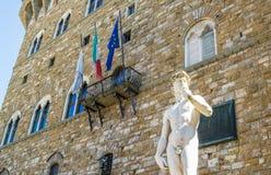 Estatua de David en la plaza Signoria en Florencia Fotos de archivo