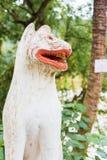 Estatua de dios budista, Louangphabang, Laos Primer vertical Imágenes de archivo libres de regalías