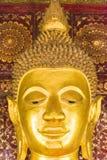 Estatua de dios budista, Louangphabang, Laos Primer vertical Imagenes de archivo